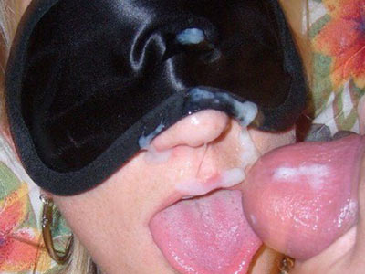 Facial cumshot for this blindfolded MILF