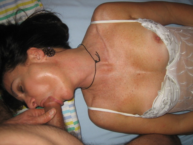 Deep blowjob from a real amateur wife