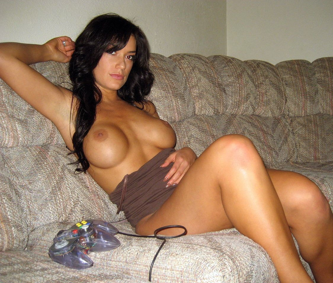 Older women possing nude
