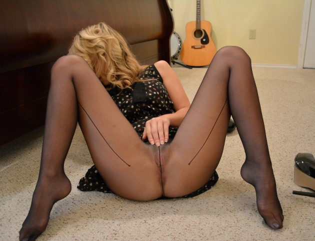 Trophey bimbo wife in pantyhose but no panties