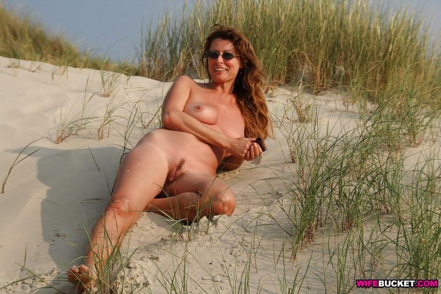 Real nudist amateur on the beach