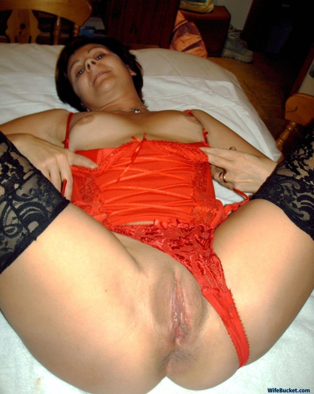 Mature wife home nudes