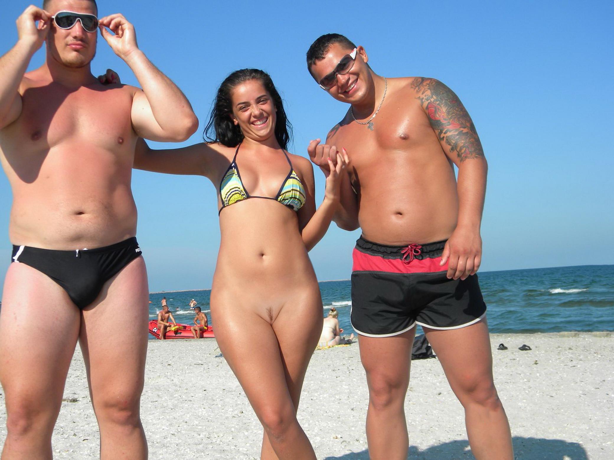 naked hot beach women