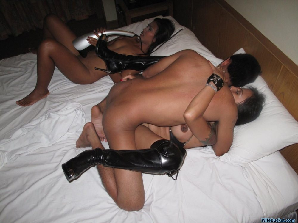 Hotel orgy with real hookers