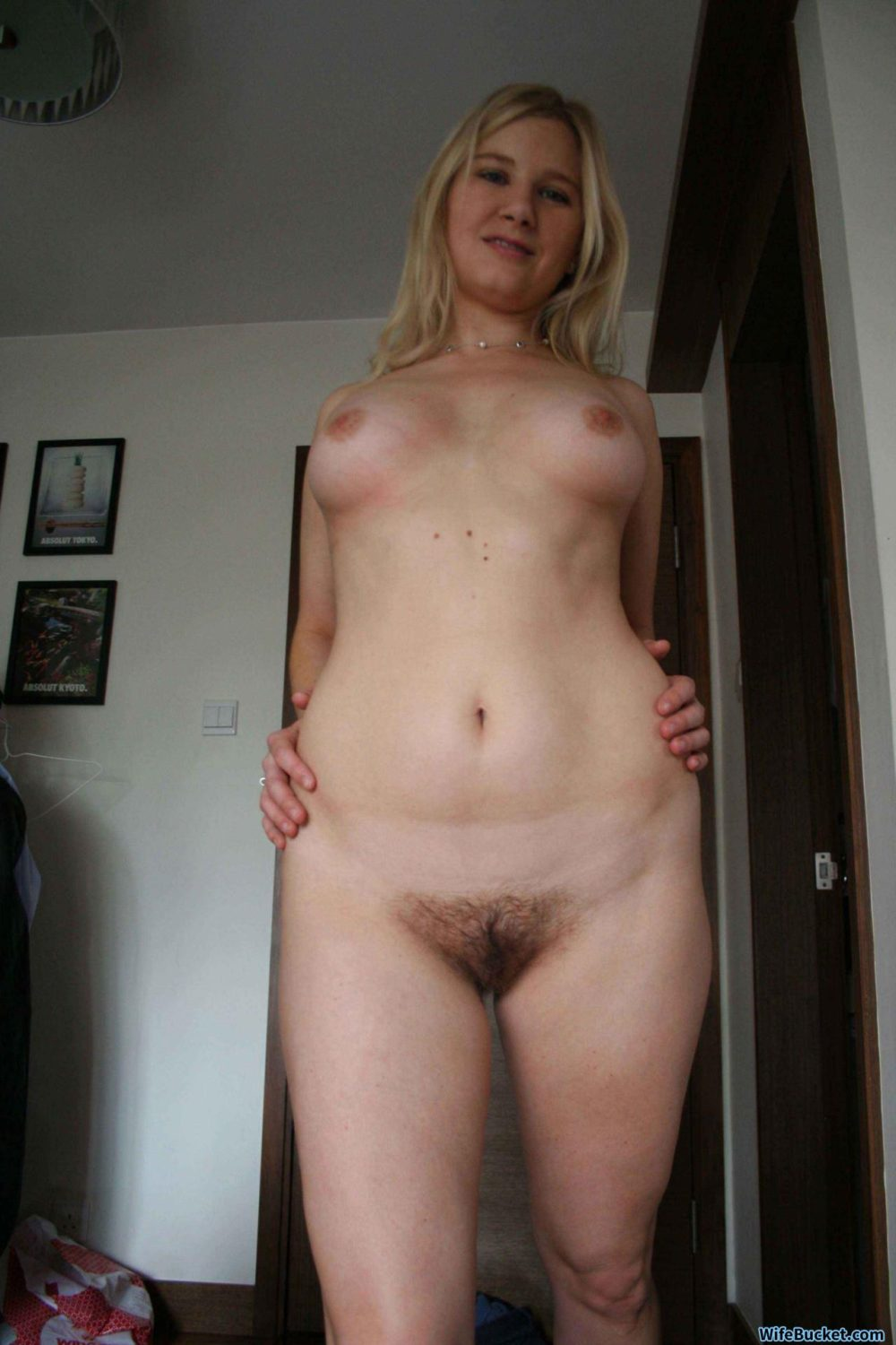 Nude selfies of mature women