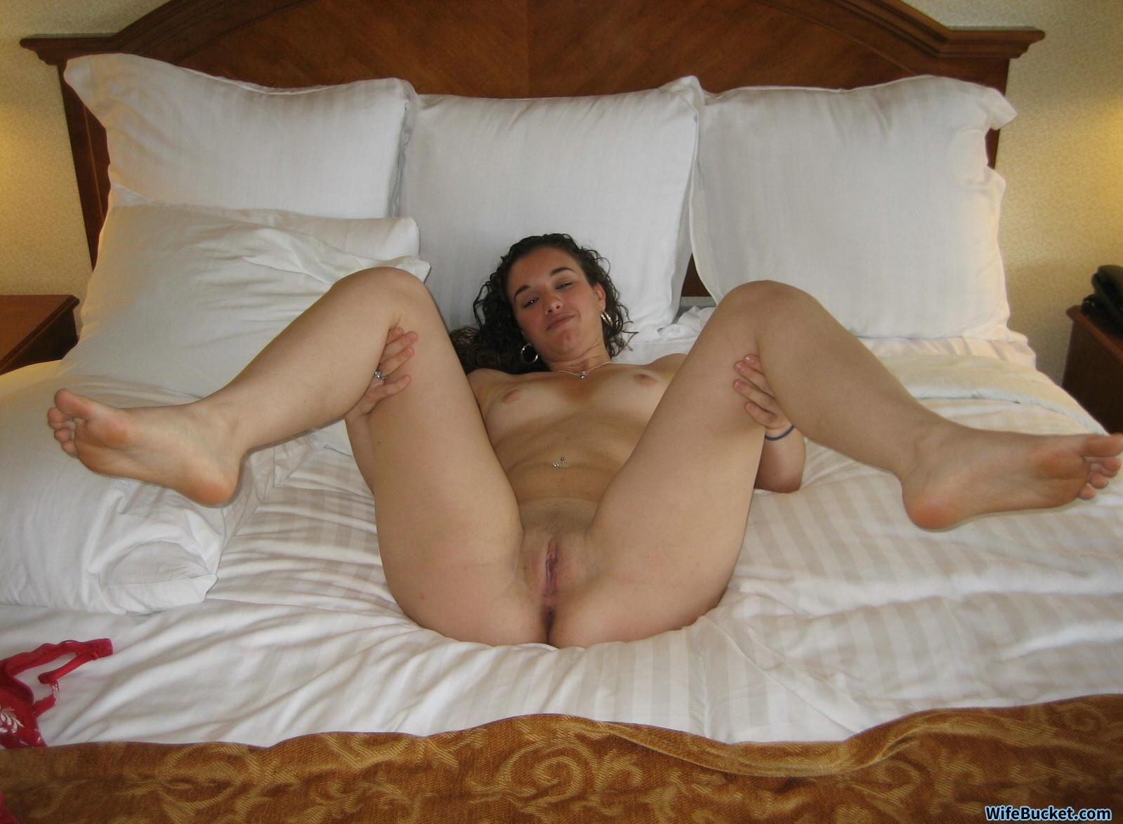 Amateur pregnant wife