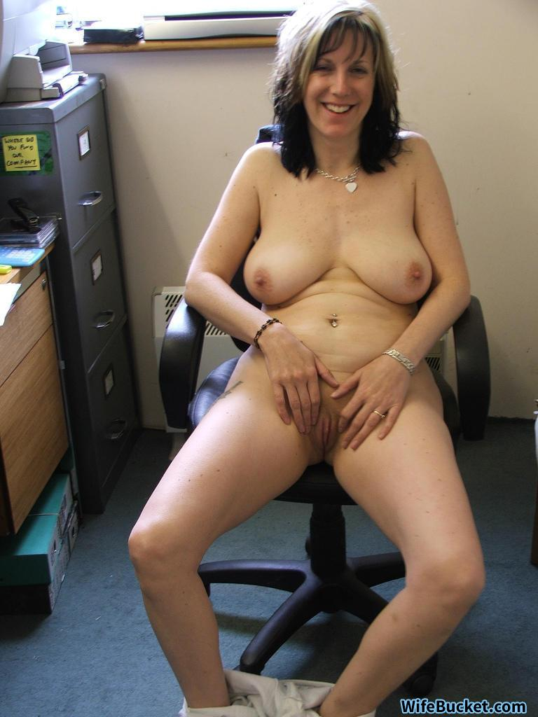 Cheating wife nude