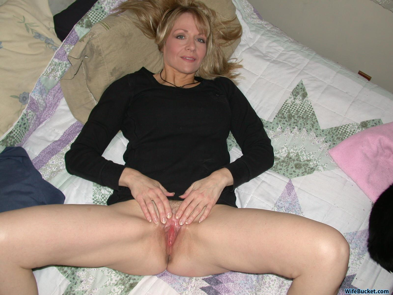 Mature older nude grannies
