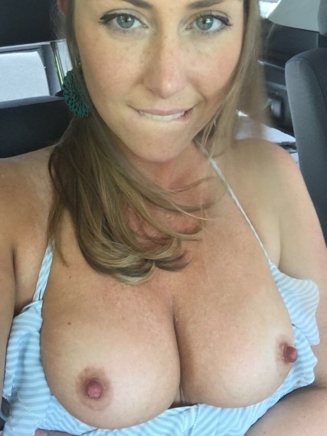 MILF driving naked