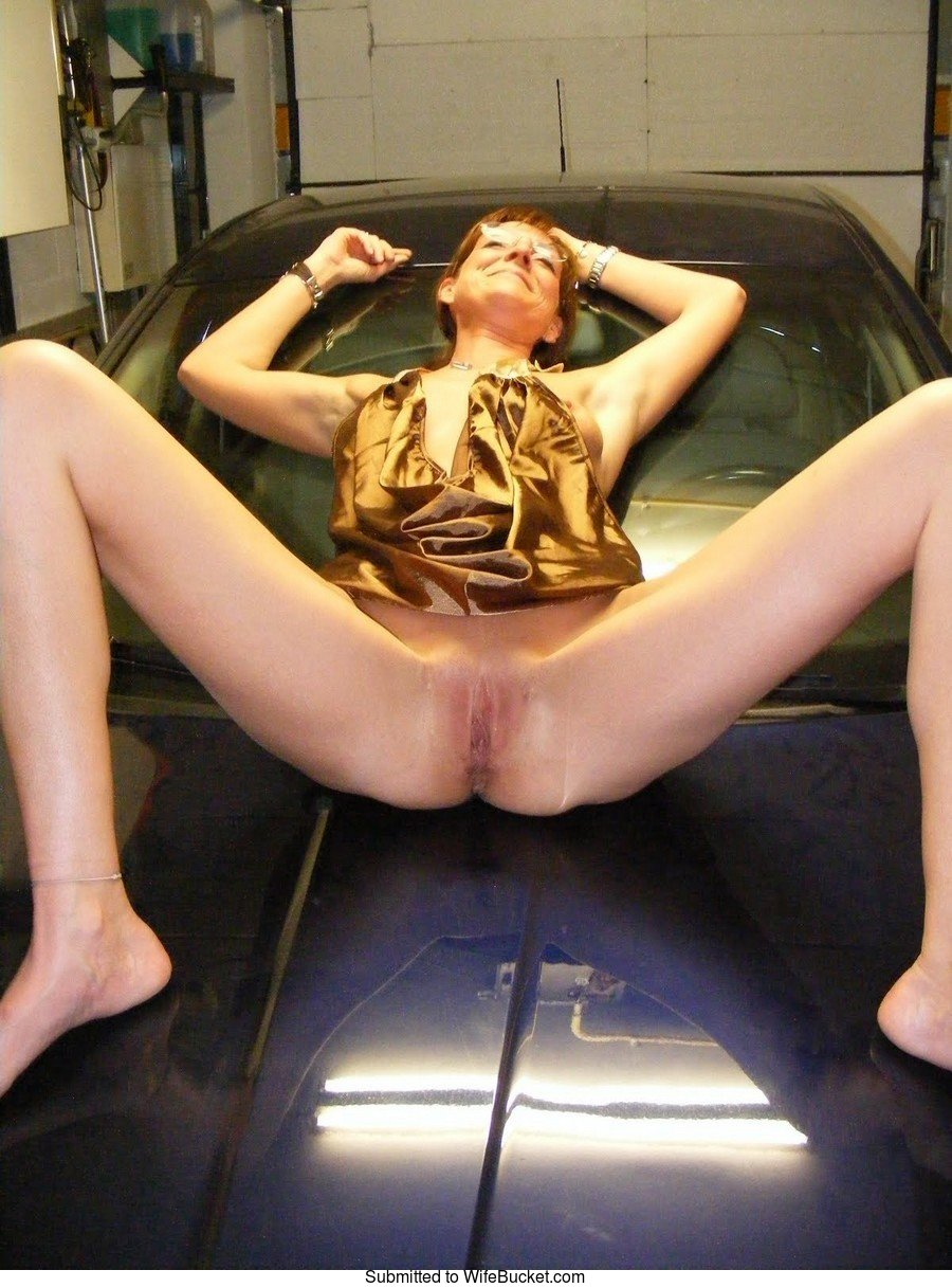 Hot wife naked in the garage