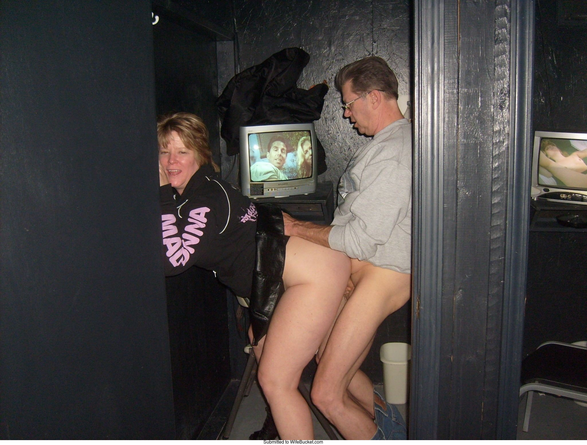 adult theater sex pics