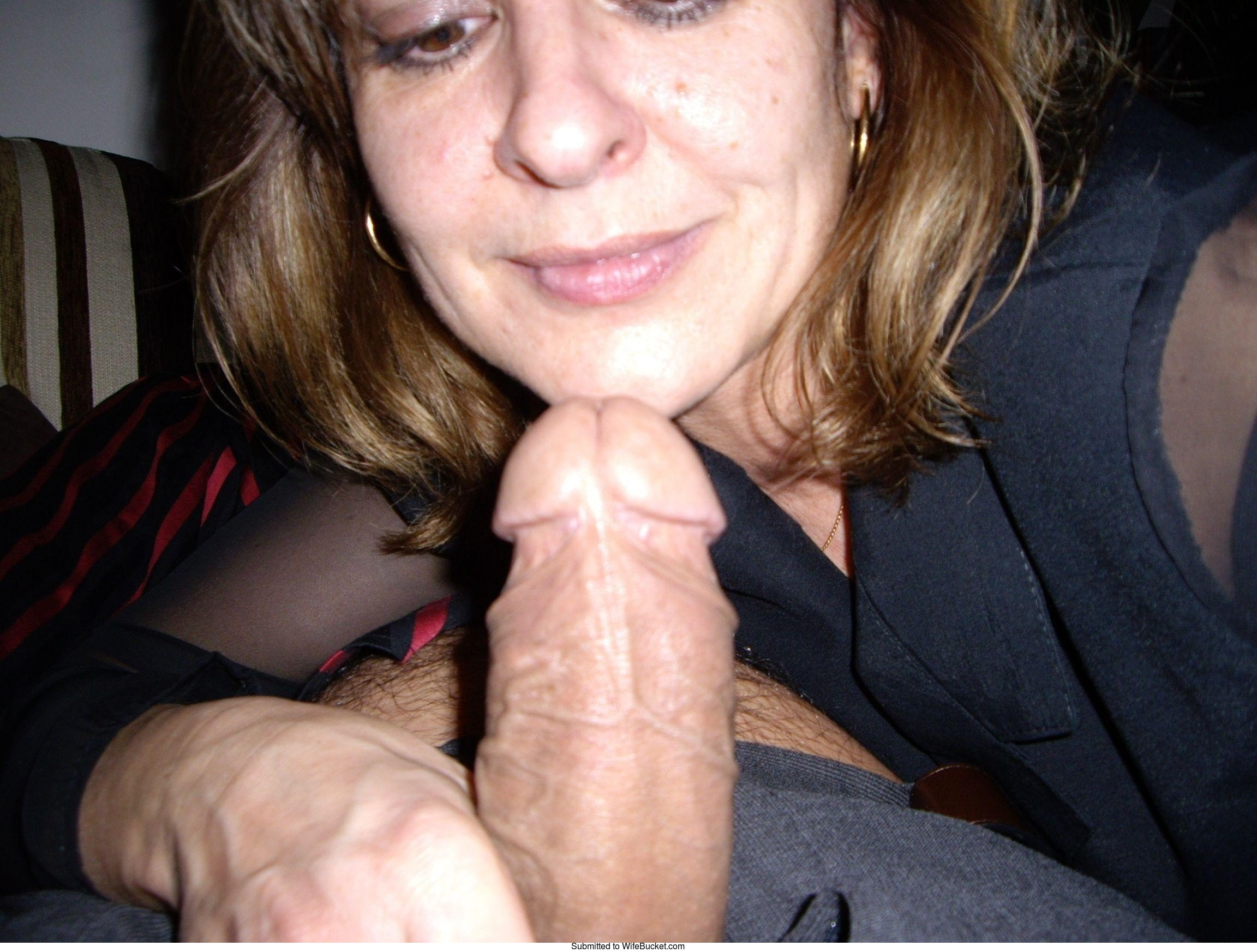 Amateur blowjob older woman