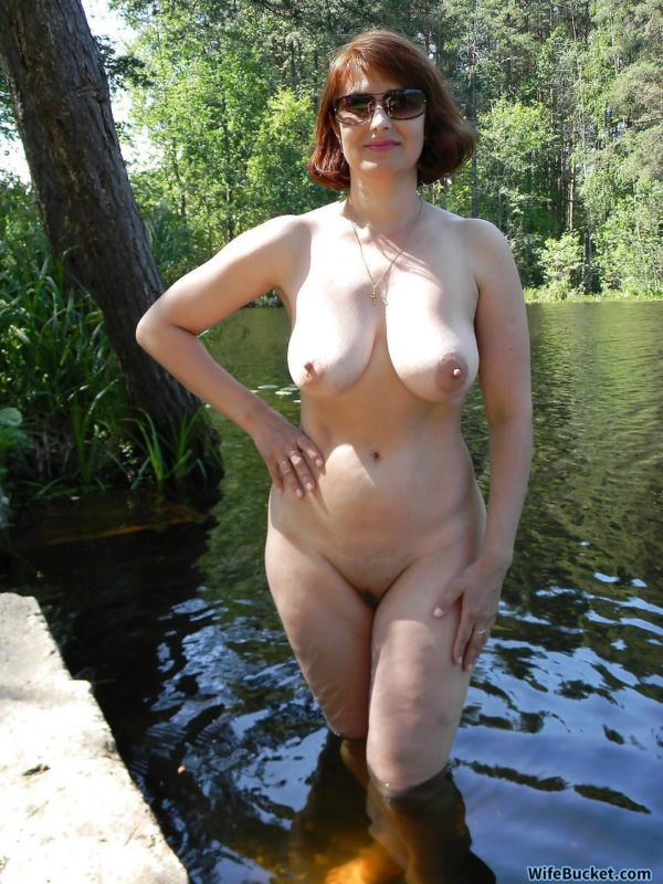 outdoor nudity pics
