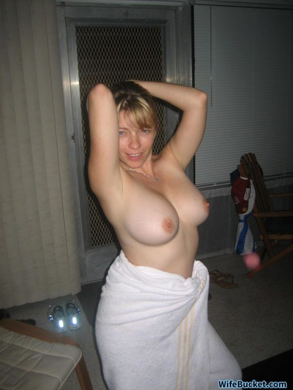 bigtit wife nude