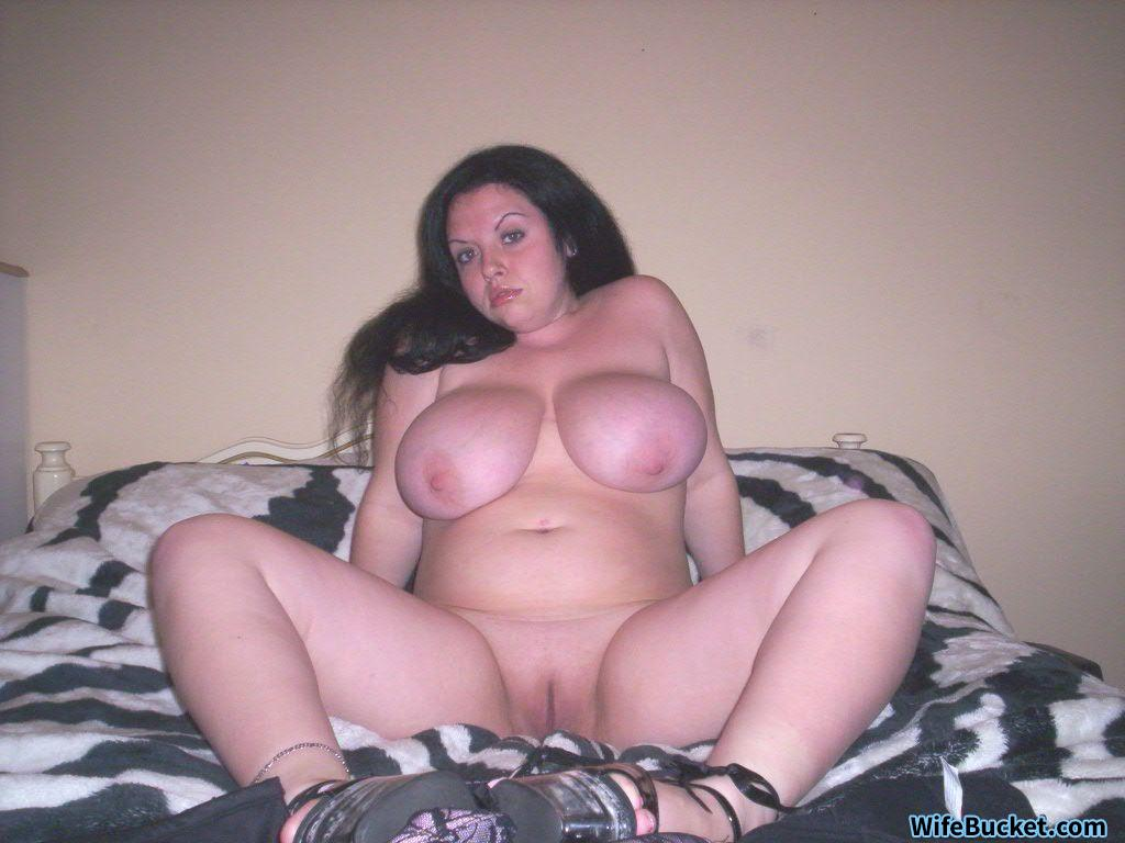 Yournakedwives.com
