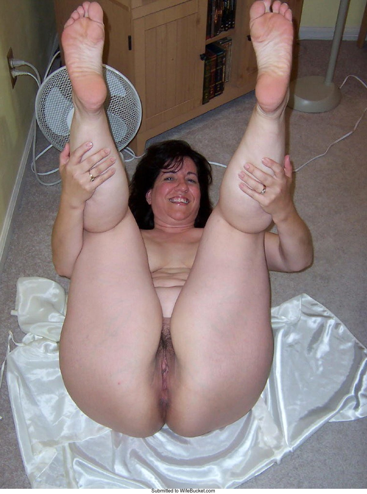 nude frontal wife pictures