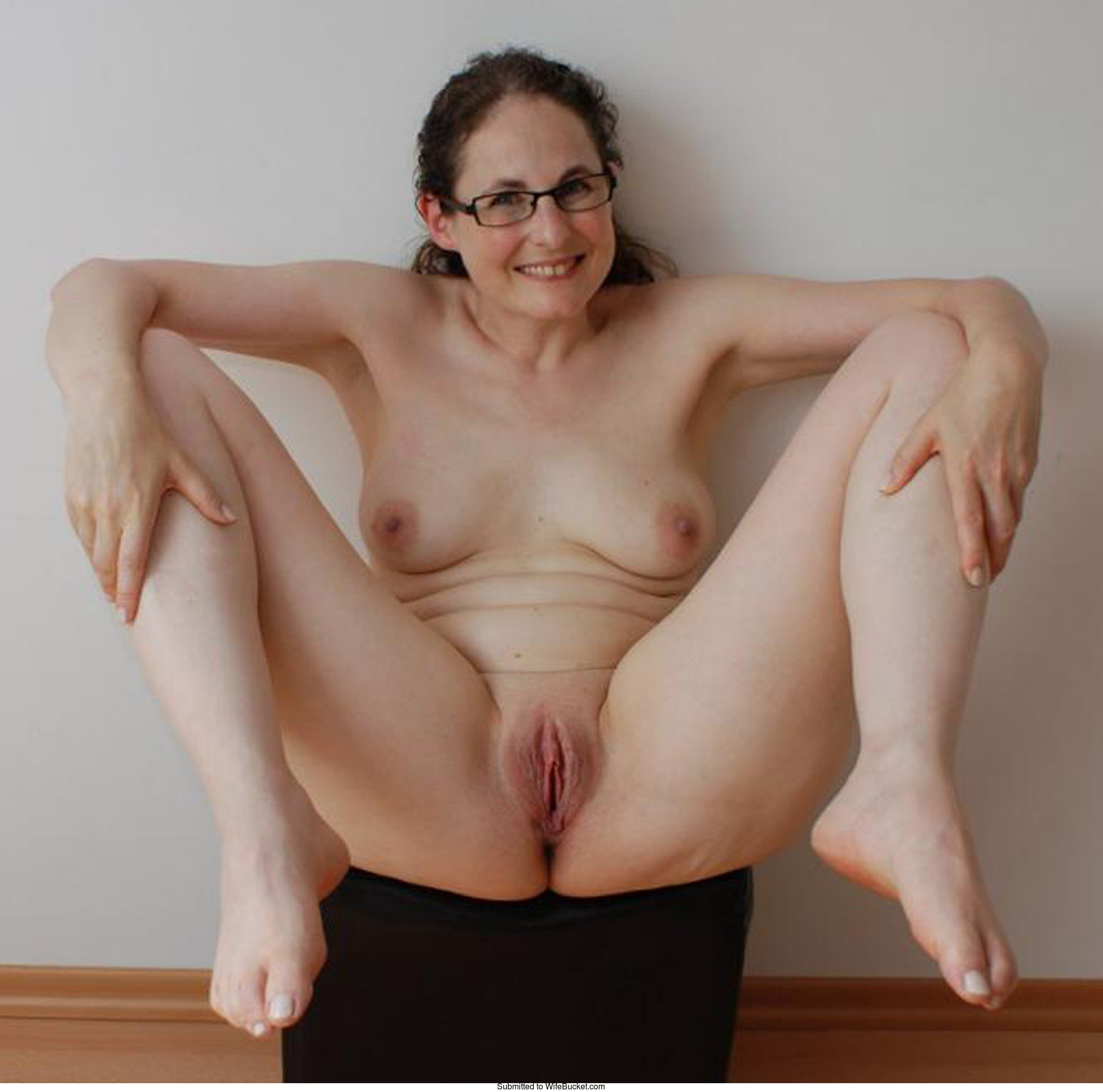 nerd average wife naked
