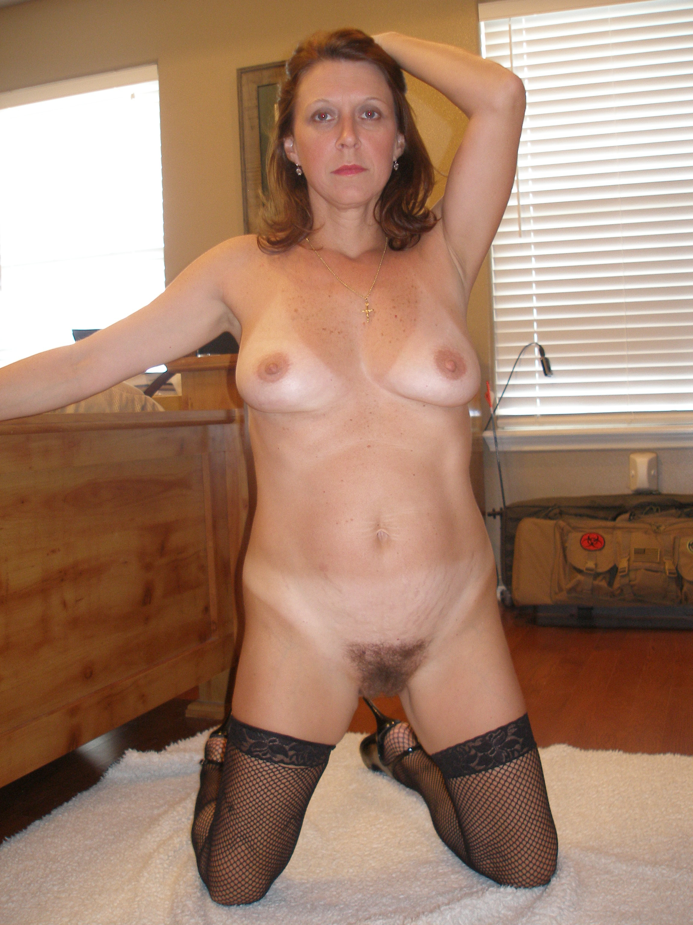 Horny milf likes it big