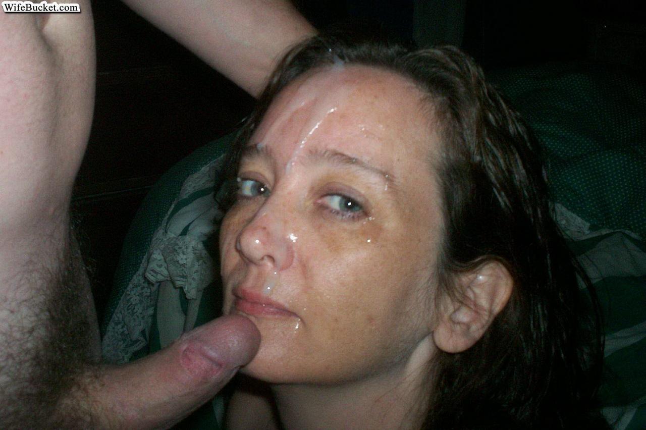 Смотреть фото как жены глотают сперму 26 фотография