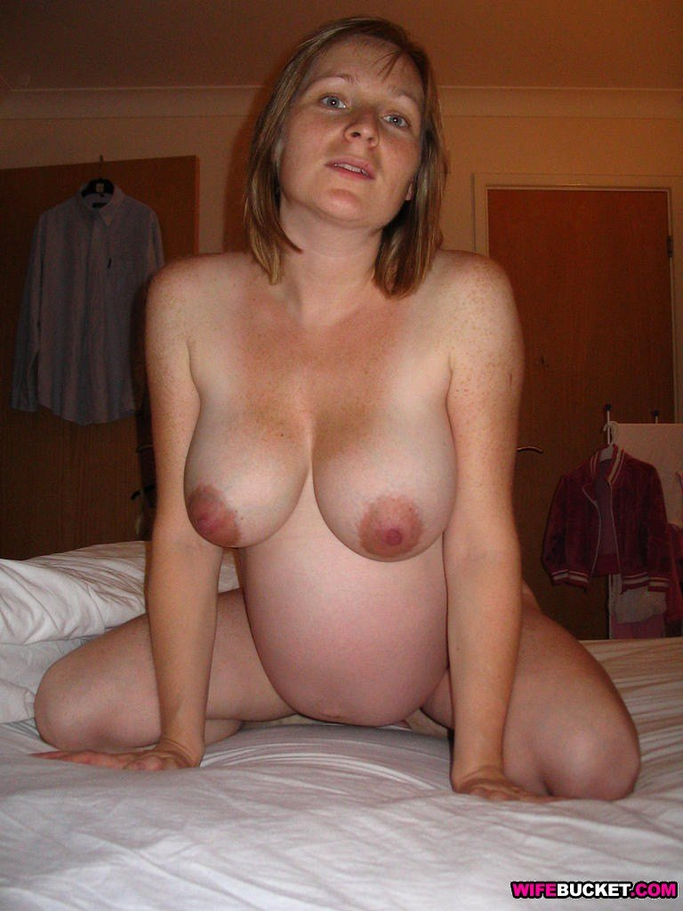 Wife Bucket - Real amateur MILFs, wives, and moms! Swingers too: www.wifebucket.com/fhg/photo/p10/p10-302-nude-amateur-wives/index.php
