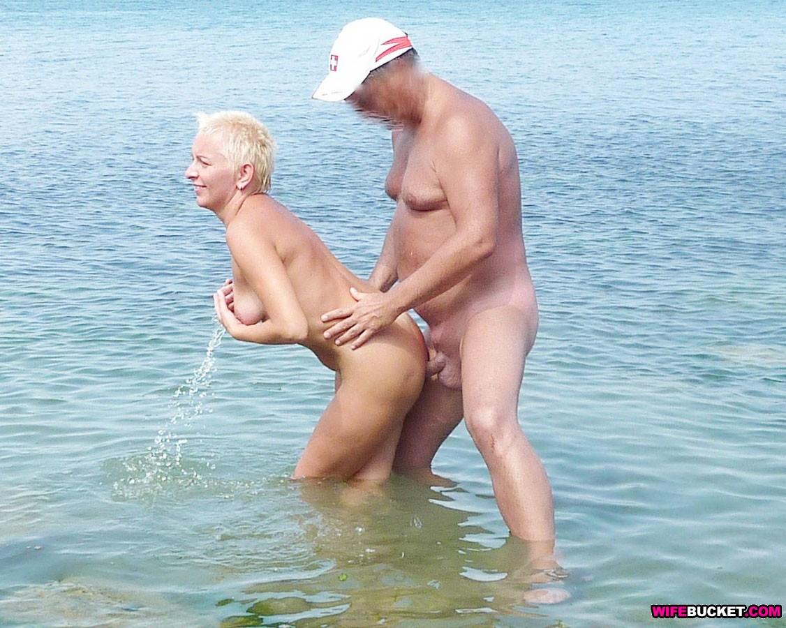 Секс на пляже фотки 1 фотография