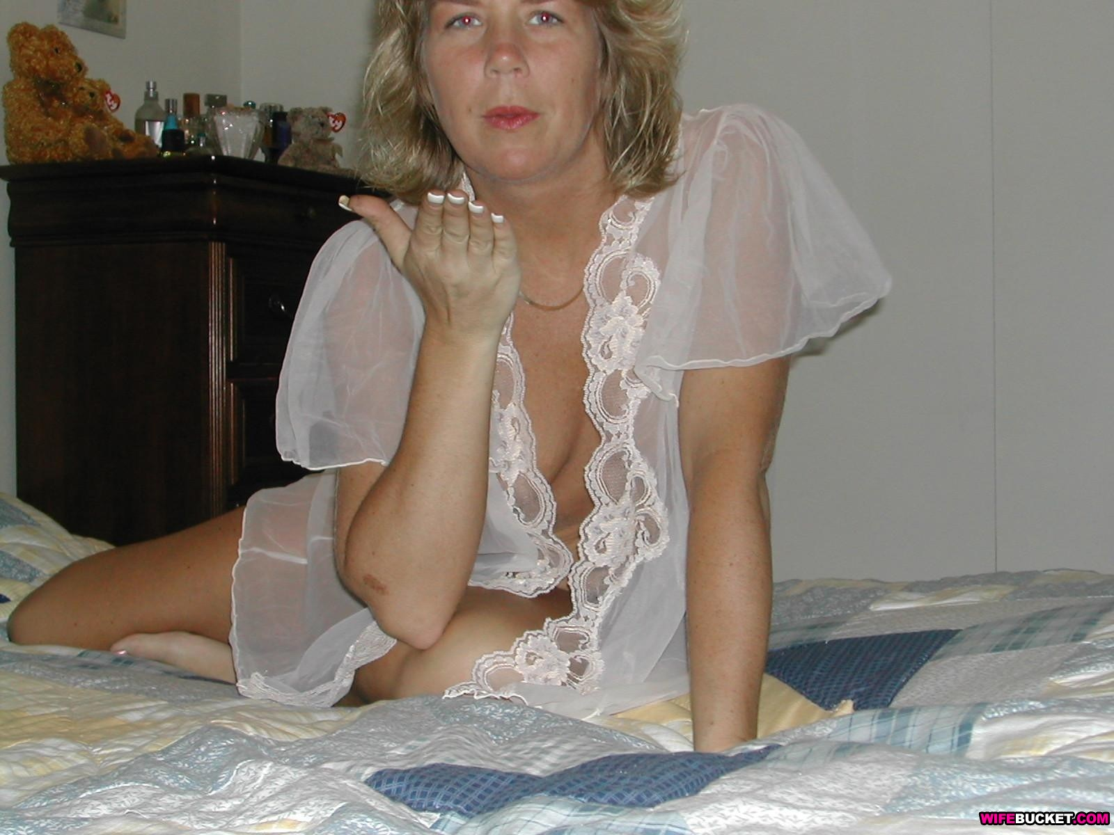 ... to put this - 180,000 photos and 4,500 videos of real amateur MILFs