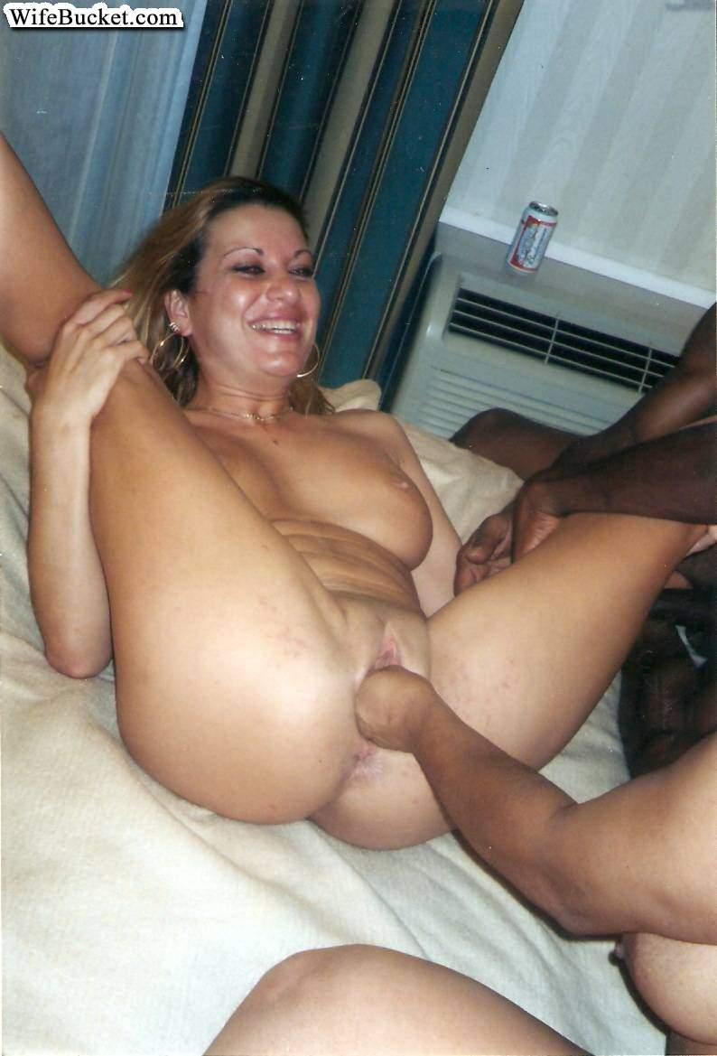 Wife Bucket - nakne hustruer, hjemmeporno, amatørsvingere-5527