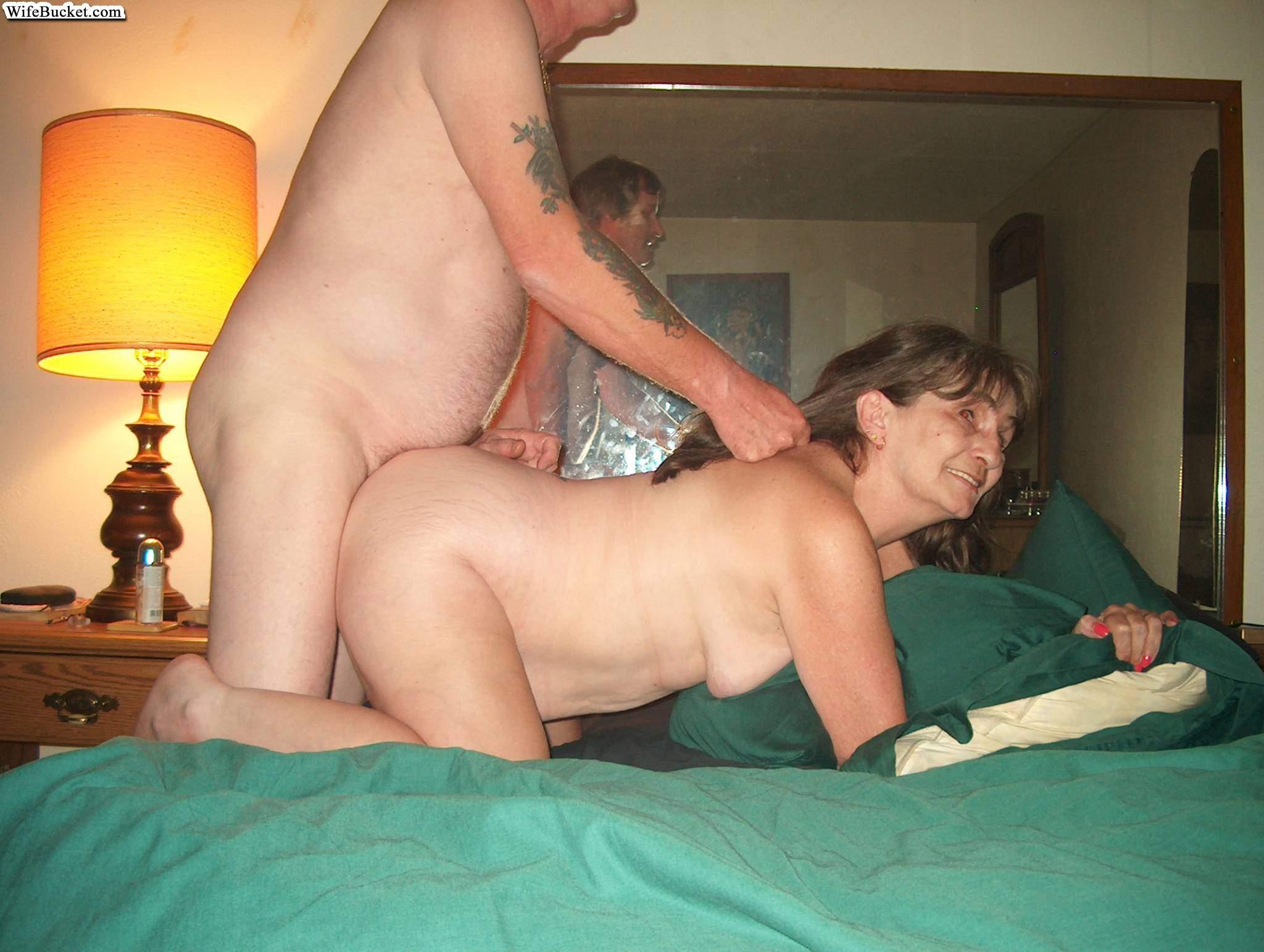 Смотреть порно с wifebucket 21 фотография