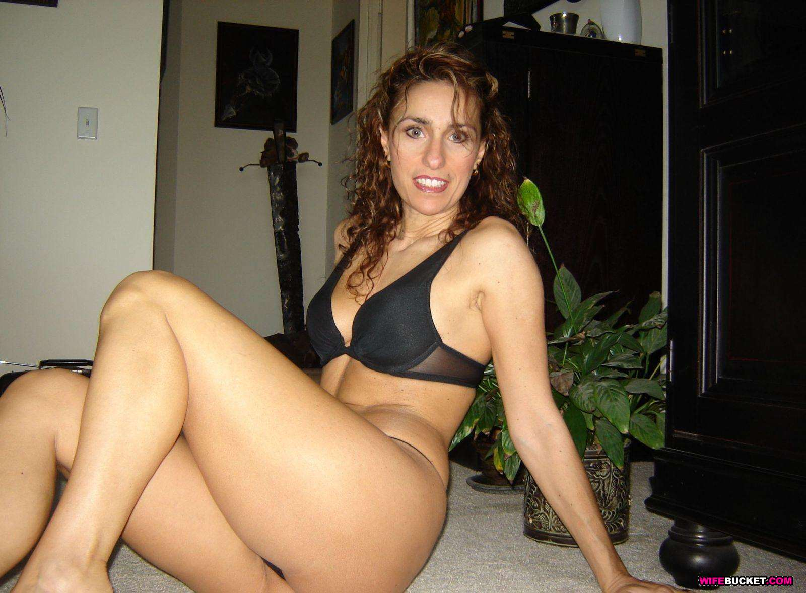 Real amateur milf and housewife my real life on my cams fo