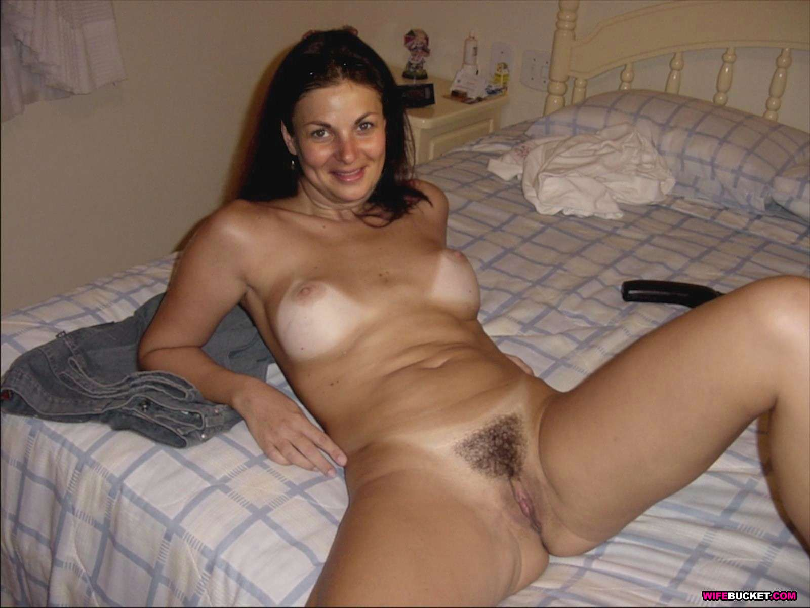Colombian wives nude