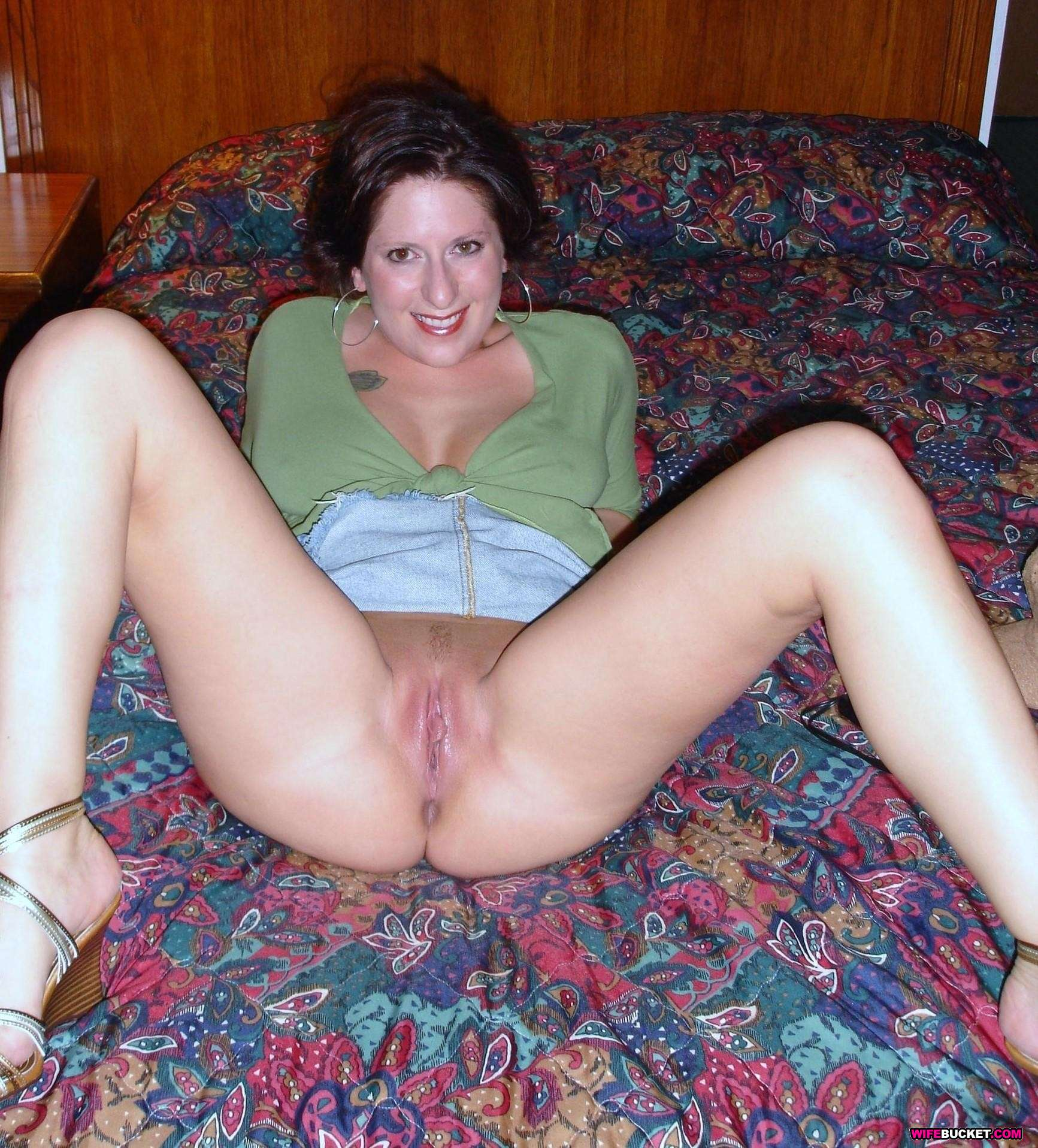 amateur-wife-spread