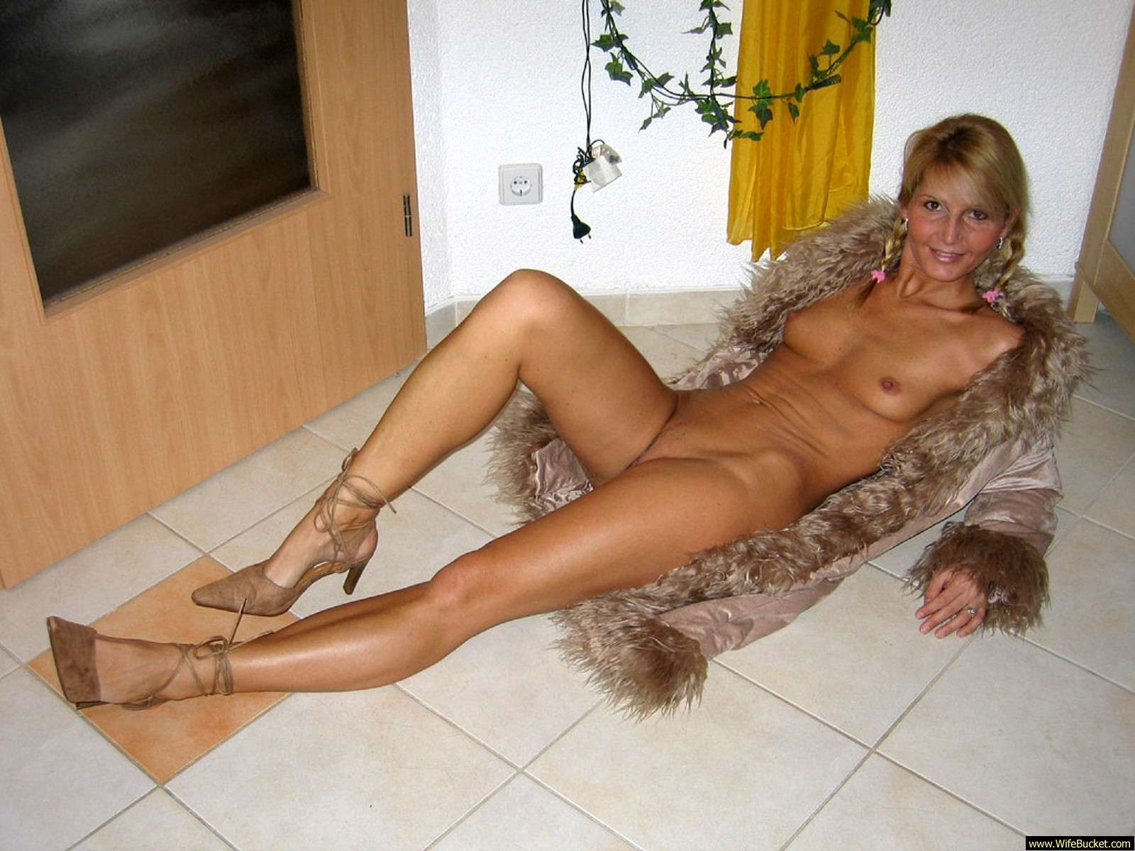 Shaved pussy picture galleries
