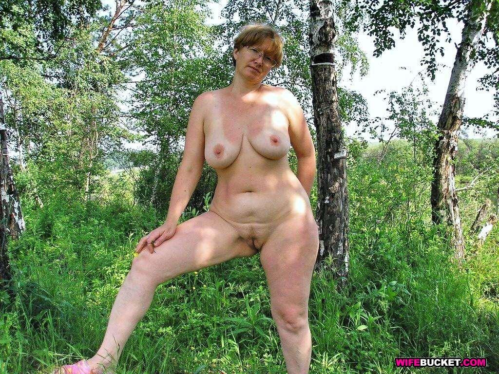 деревенские зрелые тетки голые видео