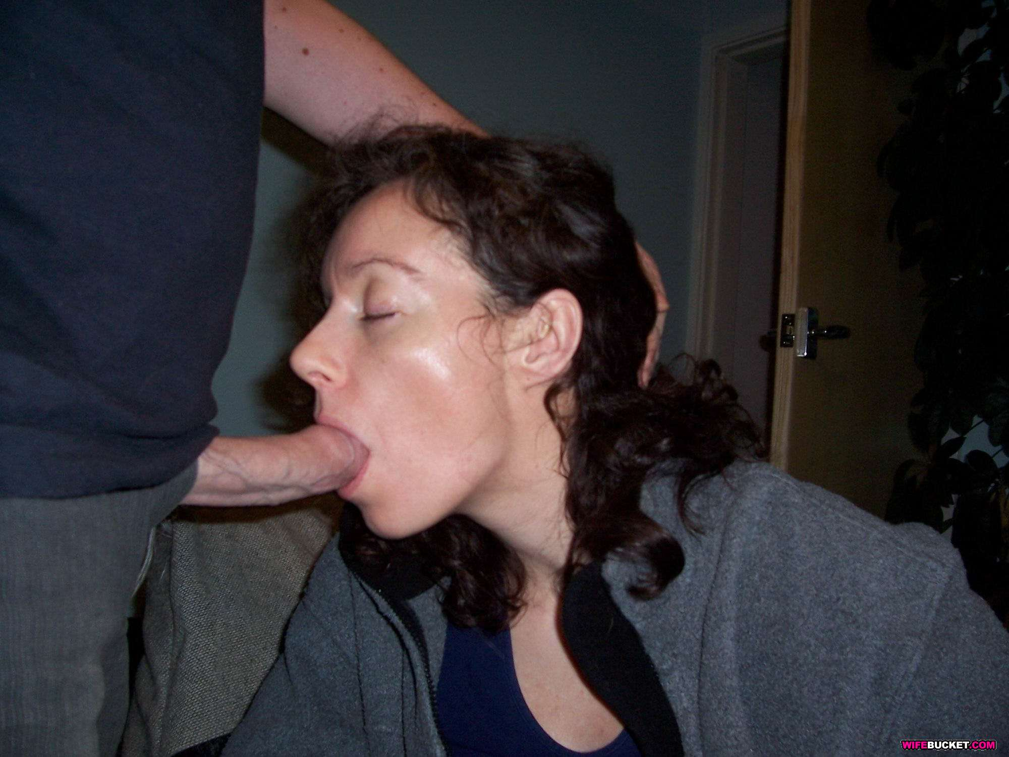 Wife Bucket Real amateur MILFs, wives, and moms! Swingers too 1024 x ...