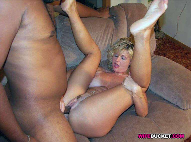 Strict wife oral sex