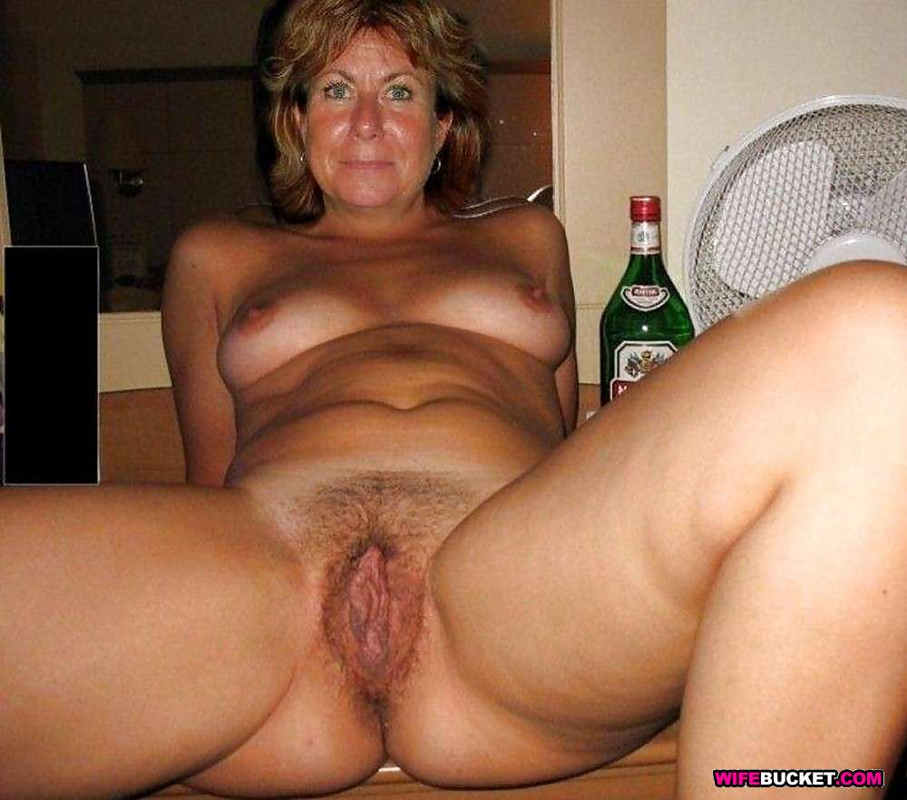 real moms nude and hairy