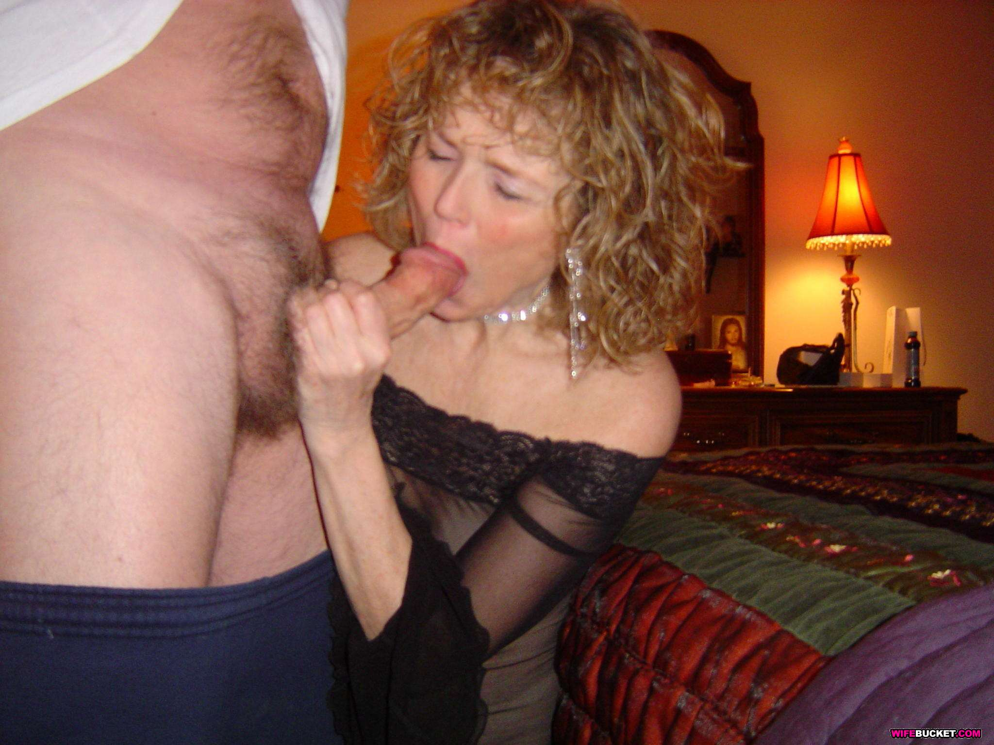 Wife Bucket - Naked Wives, Home Porn, Amateur Swingers -8495