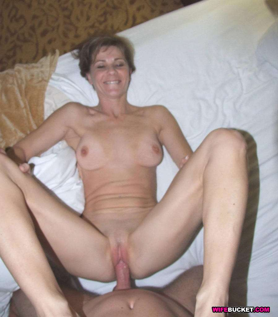 Amateur mature couple home made handjob and face sitting 7