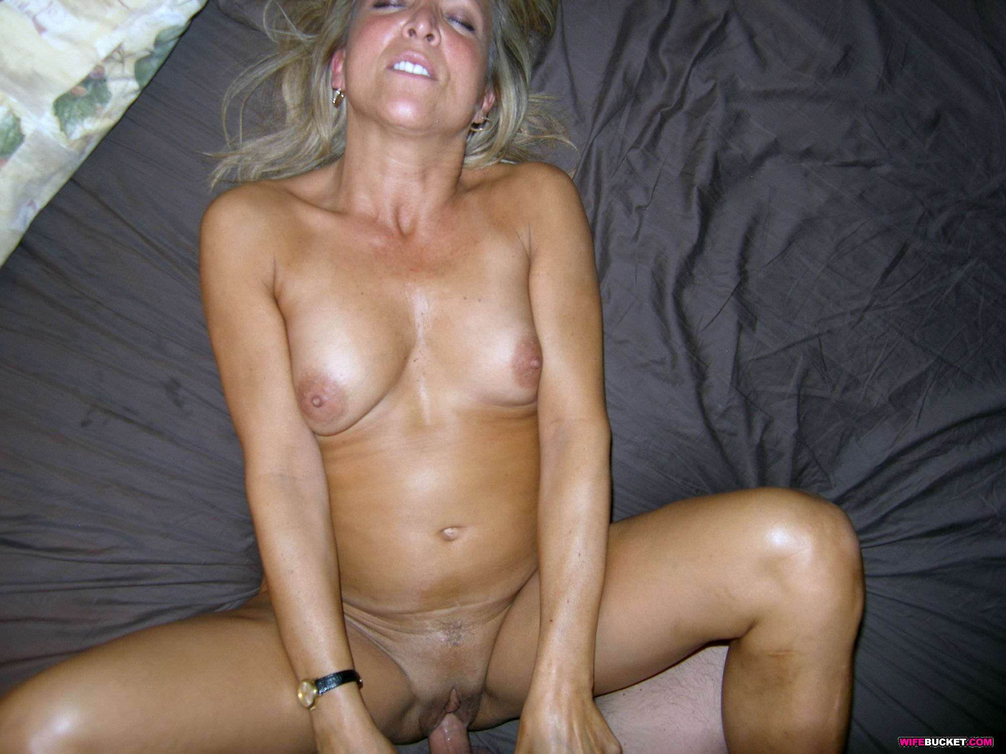 Open marriage threesome with two gorgeous milfs
