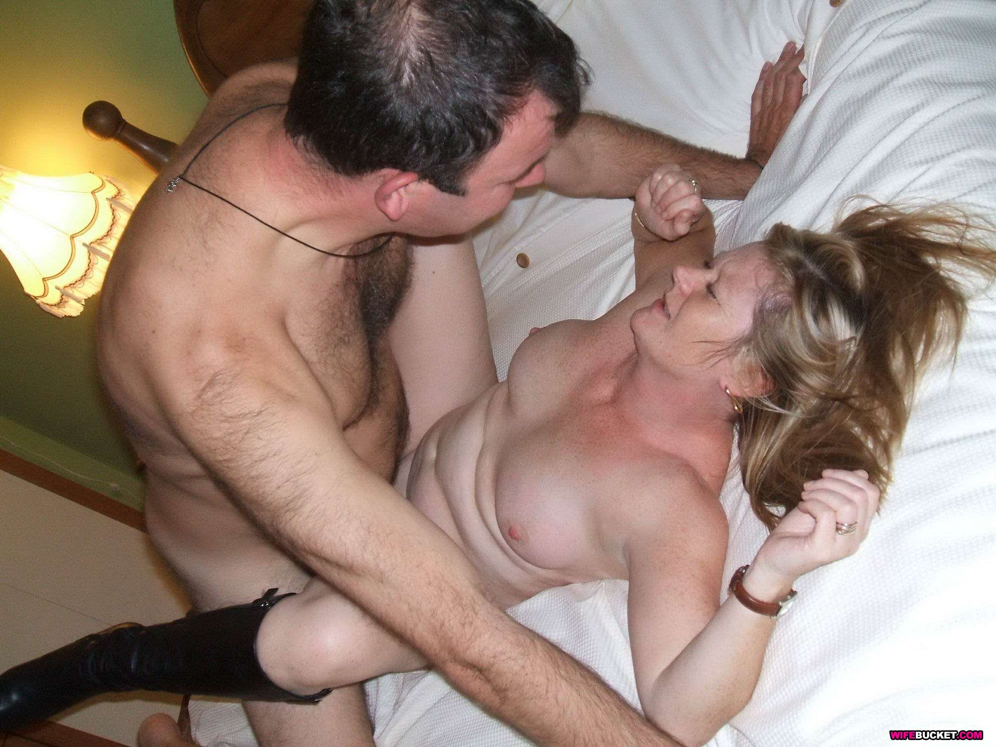 Naked milf massage
