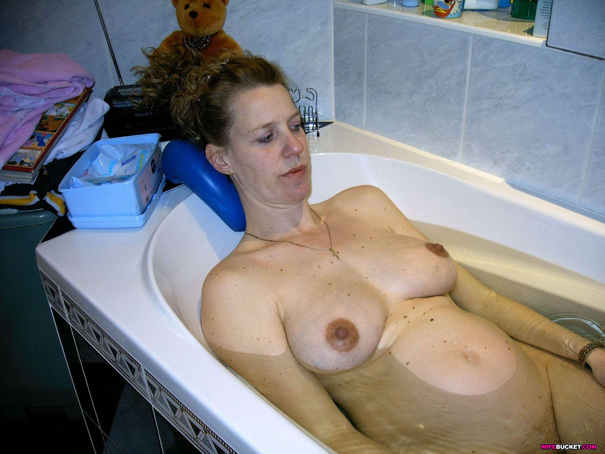 Amateur Naked Wives Videos