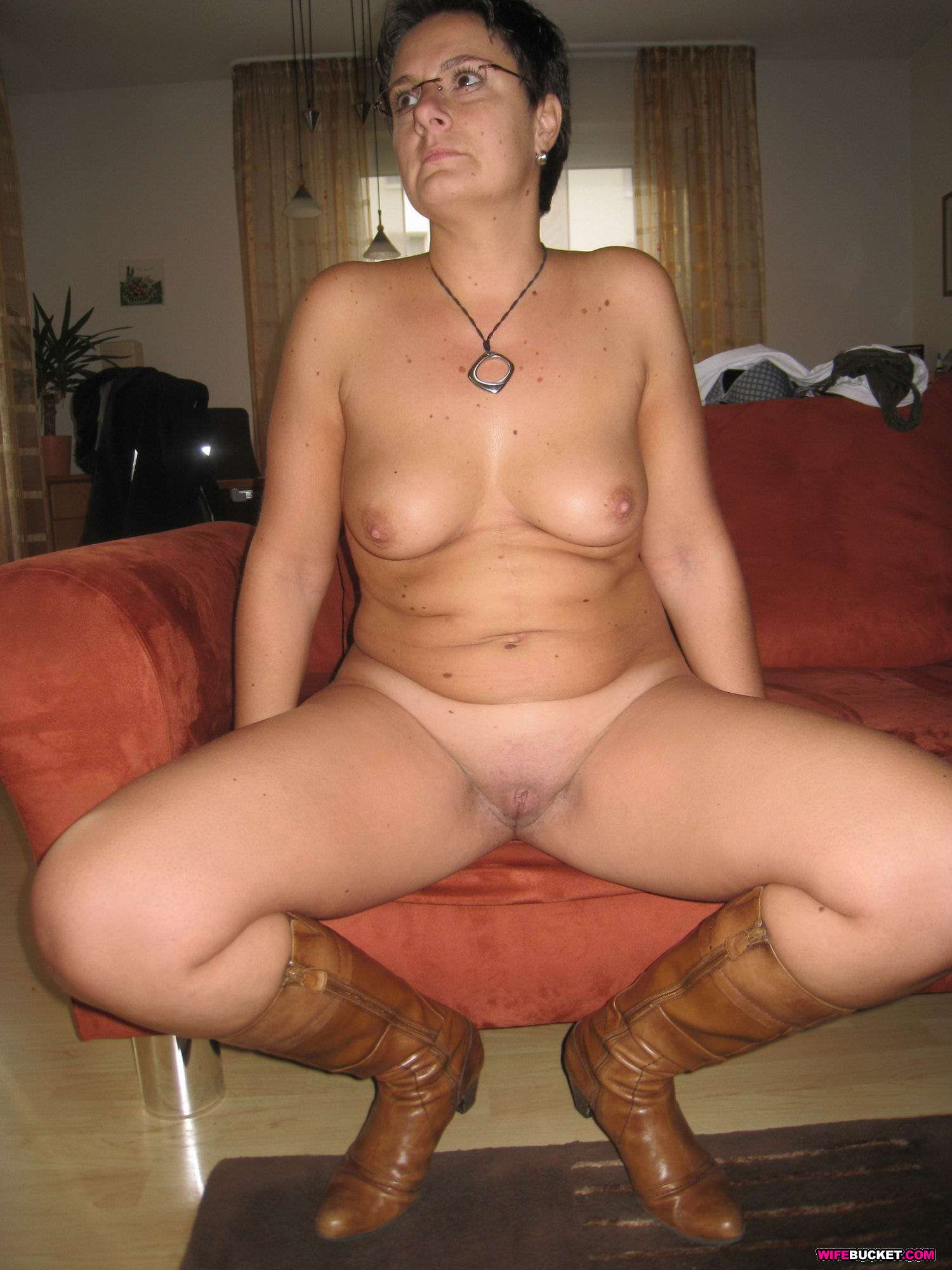 Black cock breeding a white milf