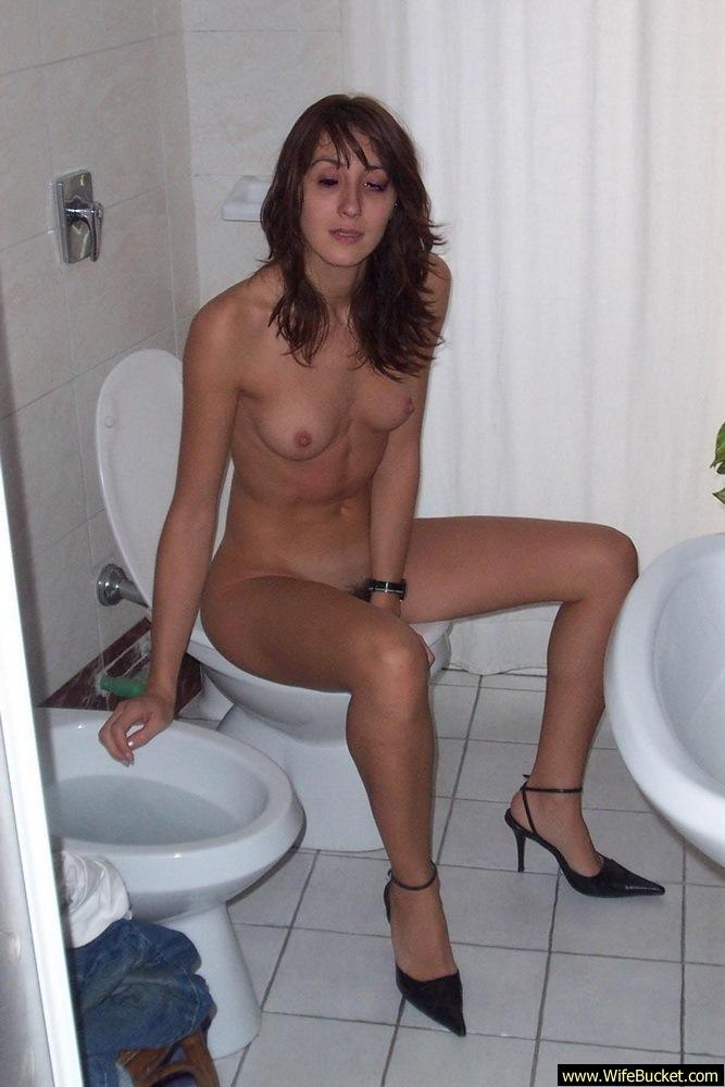 naked girl on toliet
