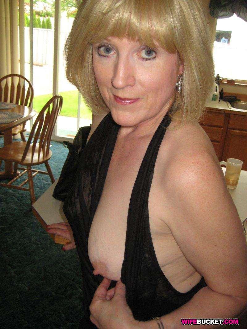 Фотоальбомы голых зрелых дам 7 фотография