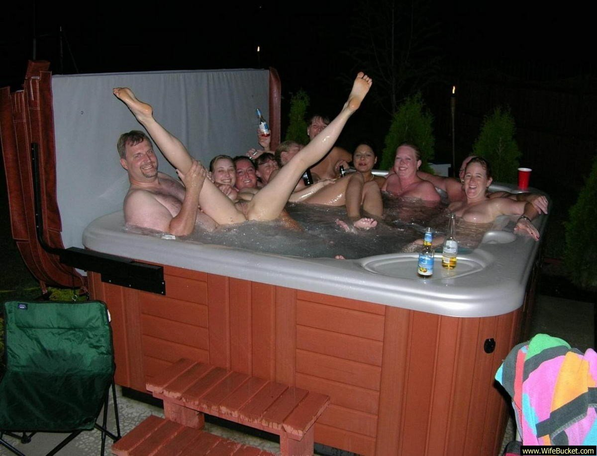 Excellent Amatuer naked pool parties