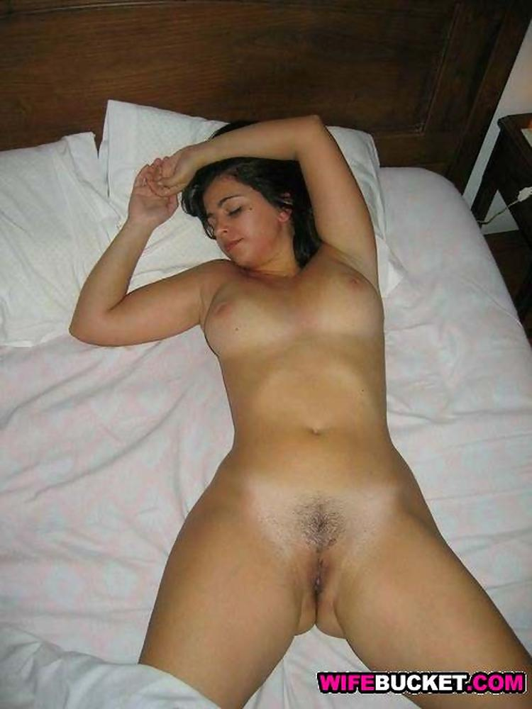image Shaved cougar has her shaved pussy licked and then filled wi