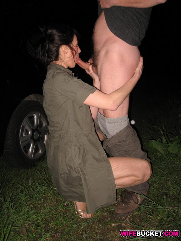 Dogging wife fucked by strangers in october 2014 5