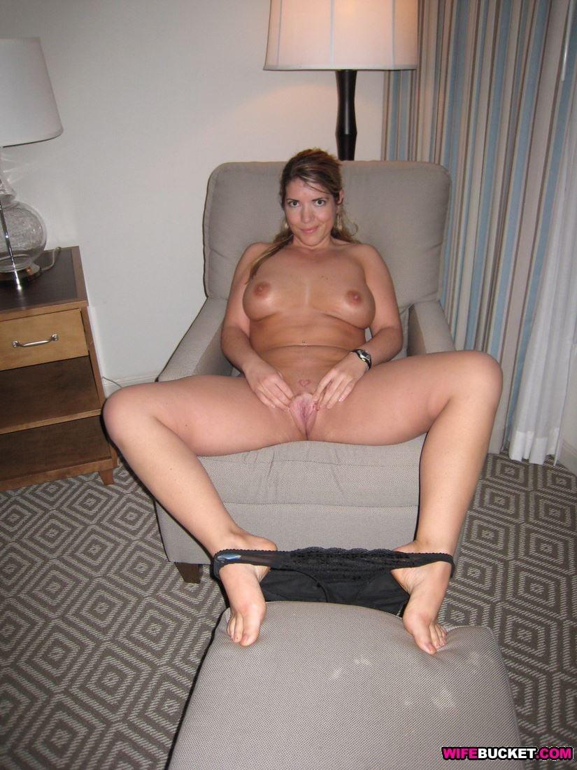 voyeur nude milf sex