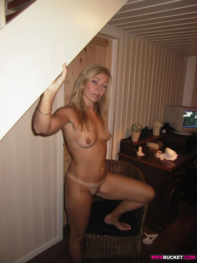 Nude milf exsposed