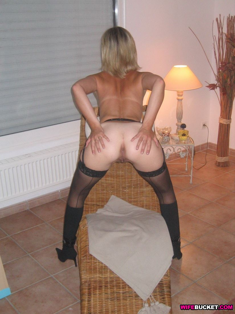 mature wife naked Amateur